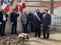 L'Hommage de Monsieur le Maire et du Président de la section UNC de Saint Jean de Beugné